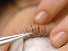哪些人不适合嫁接睫毛 种植眼睫毛有损害