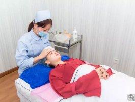 花2分钟了解一下眼皮抽脂手术!
