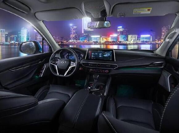 2018年5月上汽大通D90销量(426辆)15.67万的起售价超亲民 2018年5月上汽大通D90销量(426辆)15.67万的起售价超亲民 紧凑型SUV排行 第3张