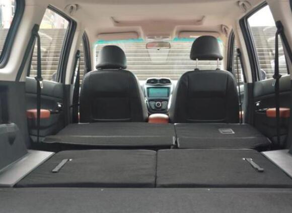 2018年5月SWM斯威X3销量(637辆)大空间更有大智慧 2018年5月SWM斯威X3销量(637辆)大空间更有大智慧 七座SUV排行 第3张