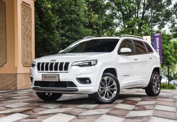 Jeep自由光八月销量 2019年8月销量1057辆(销量排名第140) Jeep自由光八月销量 2019年8月销量1057辆(销量排名第140) SUV车型销量 第4张