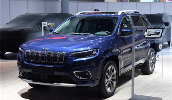 Jeep自由光七月销量 2019年7月销量1056辆(销量排名第139) Jeep自由光七月销量 2019年7月销量1056辆(销量排名第139) SUV车型销量 第2张