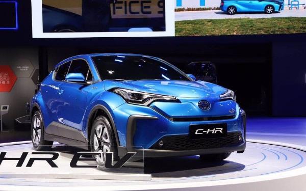 丰田suv12万左右有什么选择 丰田C-HR年轻时尚动力强劲 丰田suv12万左右有什么选择 丰田C-HR年轻时尚动力强劲 SUV报价 第2张