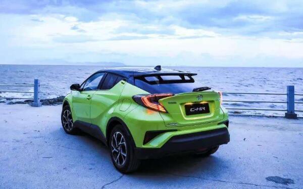 丰田suv12万左右有什么选择 丰田C-HR年轻时尚动力强劲 丰田suv12万左右有什么选择 丰田C-HR年轻时尚动力强劲 SUV报价 第3张