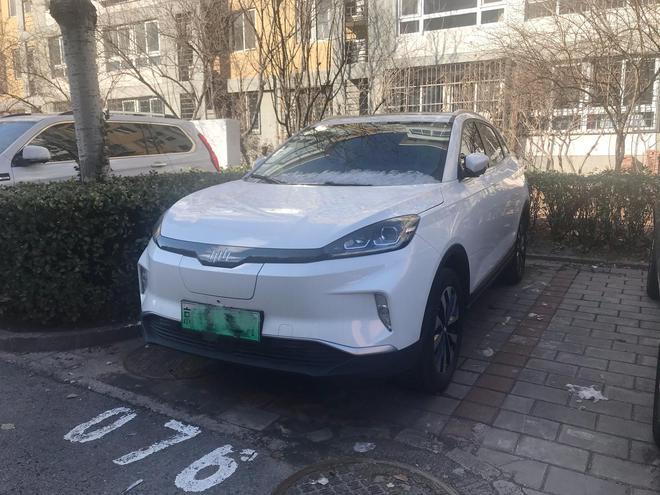 威马EX5 Ta是小区最靓的仔 阳台岭看车之新能源车 SUV评测 第7张