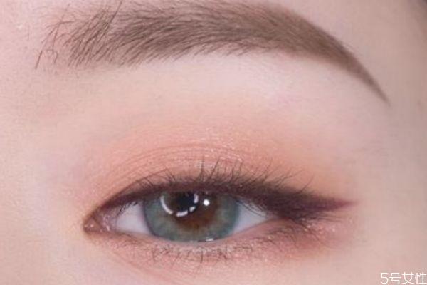 洗眼线睫毛变白怎么办 洗眼线的危害 洗眼线睫毛变白怎么办 洗眼线的危害 知识库 第2张