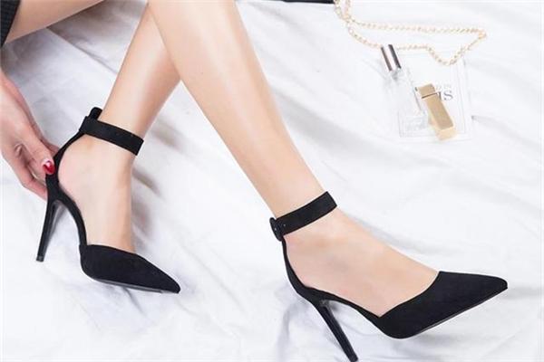 高跟鞋怎么穿可以不掉跟 怎么穿高跟鞋不掉跟 高跟鞋怎么穿可以不掉跟 怎么穿高跟鞋不掉跟 知识库 第2张