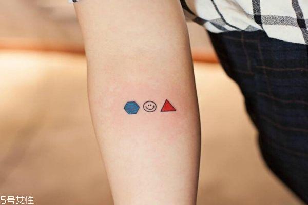 纹身多少天能恢复好 什么人不适合纹身 纹身多少天能恢复好 什么人不适合纹身 知识库 第5张