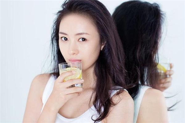 玻尿酸填充鼻唇沟能保持多久 玻尿酸丰鼻唇沟维持多久 玻尿酸填充鼻唇沟能保持多久 玻尿酸丰鼻唇沟维持多久 知识库 第2张
