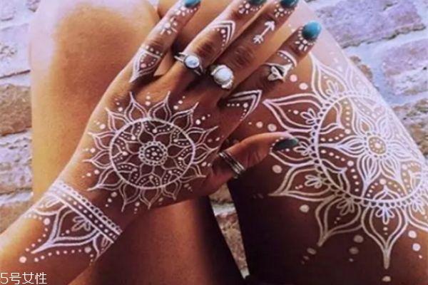 海娜纹身可以保持多久 海娜纹身图片 海娜纹身可以保持多久 海娜纹身图片 知识库 第8张