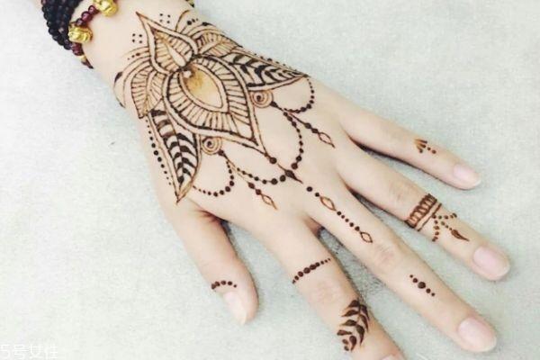 海娜纹身可以保持多久 海娜纹身图片 海娜纹身可以保持多久 海娜纹身图片 知识库 第14张