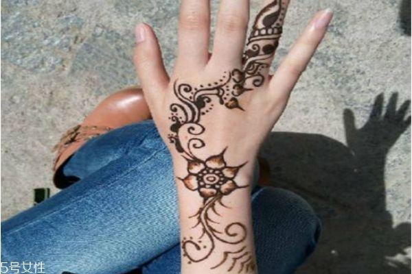 海娜纹身可以保持多久 海娜纹身图片 海娜纹身可以保持多久 海娜纹身图片 知识库 第15张