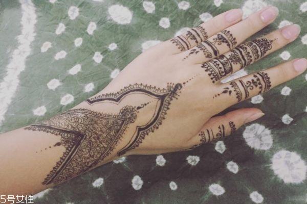 海娜纹身可以保持多久 海娜纹身图片 海娜纹身可以保持多久 海娜纹身图片 知识库 第17张