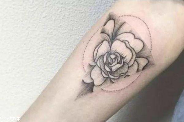 纹身痛不痛 纹身不同区域的疼痛感 纹身痛不痛 纹身不同区域的疼痛感 知识库 第1张